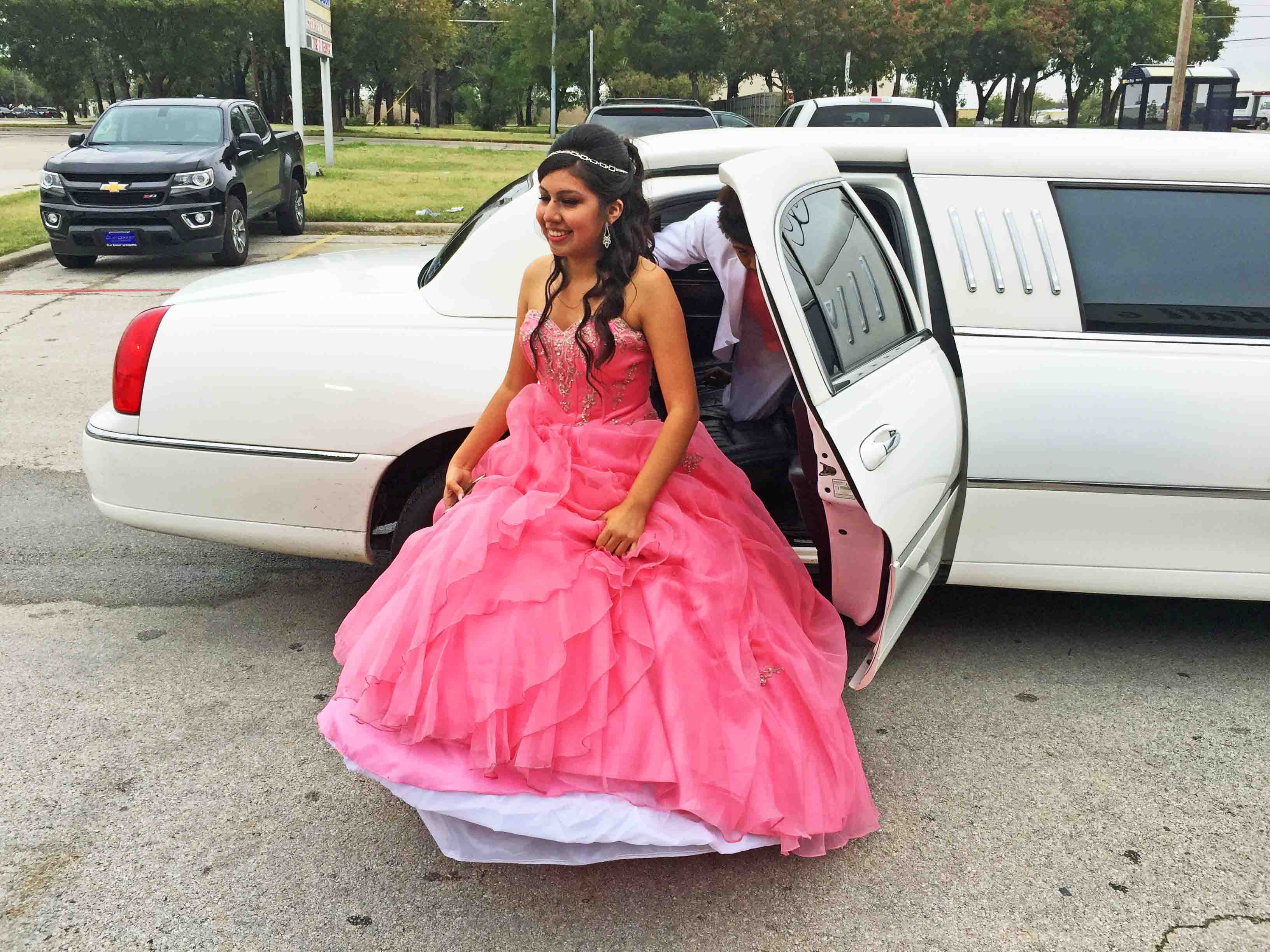 Quinceanera Limousine 4 Great Ideas