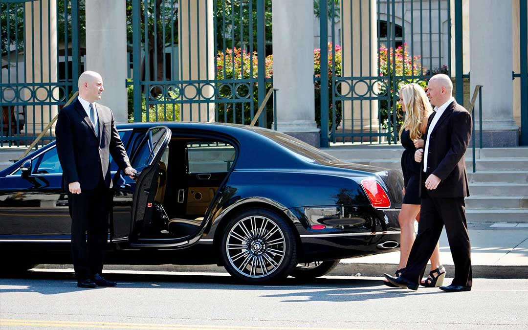 6 Things to Contemplate when Booking Chauffeured Transportation in Philadelphia, PA