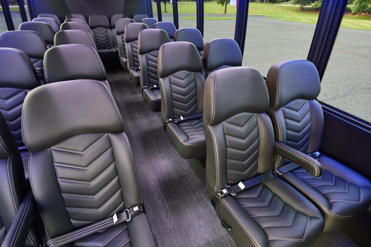 28-pax-mini-bus-2020-3